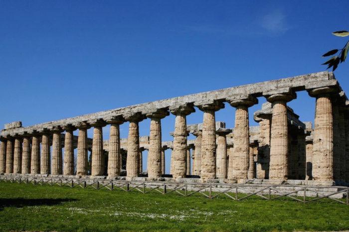 Templi di Paestum e mozzarella di bufala
